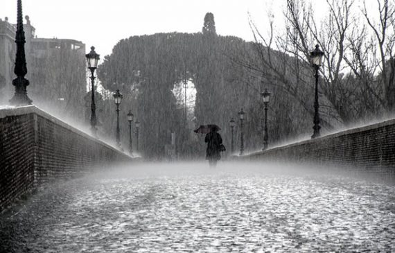 How a Rainy Mood Influences Your Thinking and Behavior